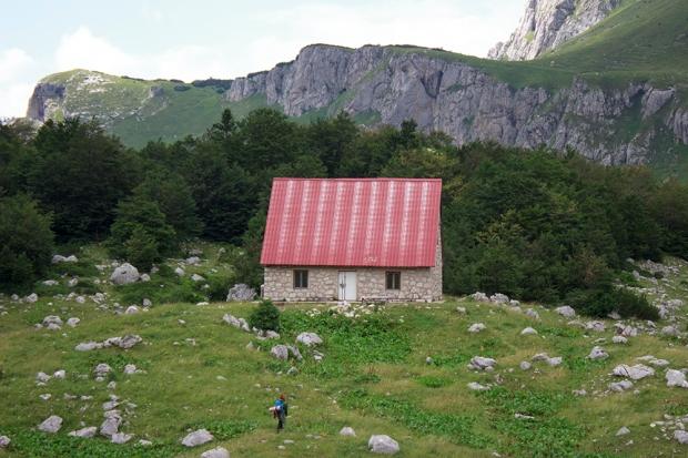 14 - planinski dom Skrka